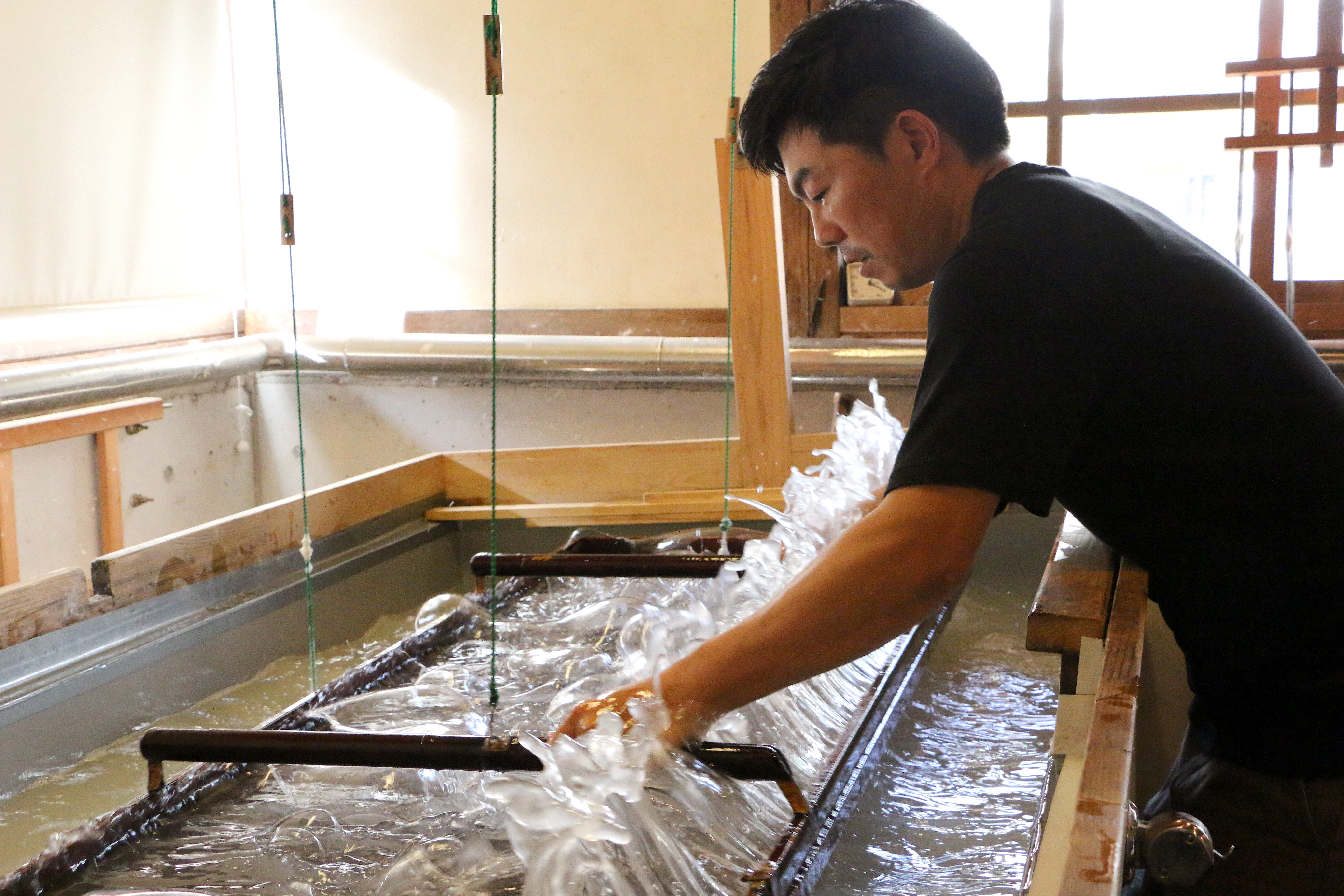 IMG_7245_Tencho papermaker_Osamu Hamada