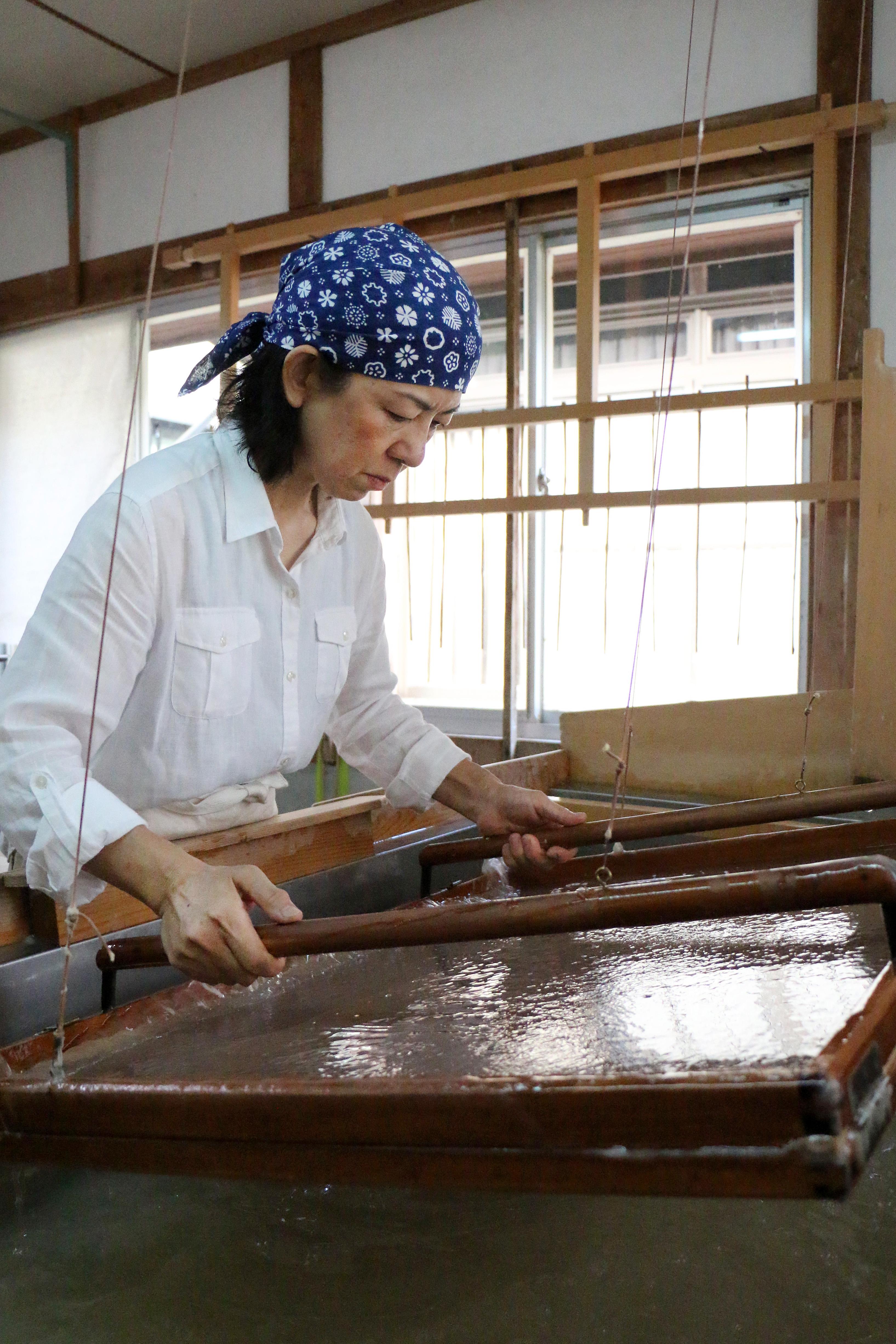 IMG_8364_Kiyoko Urabe_Usu-Mino papermaker
